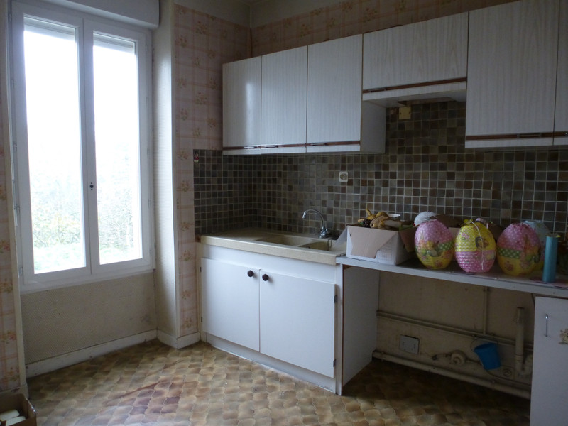 French property for sale in Saint-Sulpice-les-Feuilles, Haute-Vienne - €88,000 - photo 7