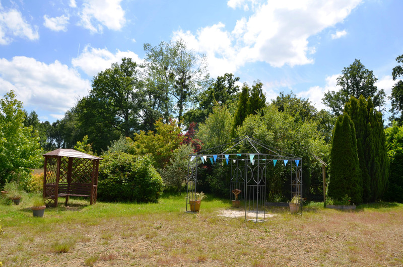French property for sale in Saint-Roch-sur-Égrenne, Orne - €84,400 - photo 2