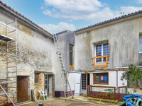 French property, houses and homes for sale inBeauvais-sur-MathaCharente-Maritime Poitou_Charentes
