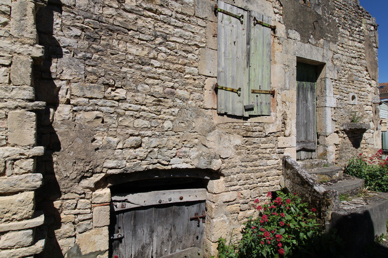 French property for sale in Anais, Charente - €36,600 - photo 5