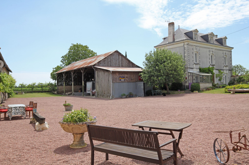 French property for sale in Ceaux-en-Loudun, Vienne - €551,200 - photo 2