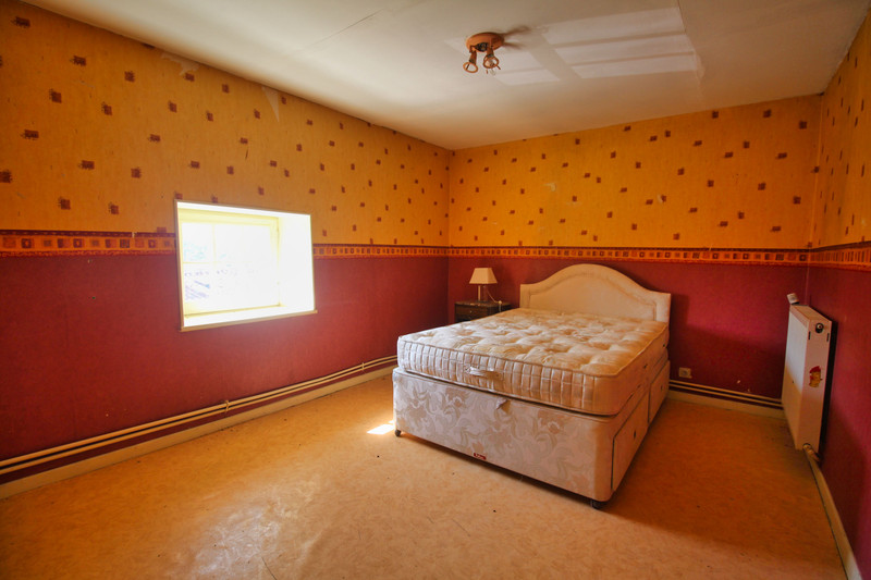 French property for sale in Abzac, Charente - €88,000 - photo 6