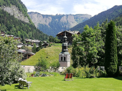 Morzine Centre - Luxury 3 bedroom Duplex Apartment in a renovated Traditional Farmhouse from the 18th Century.