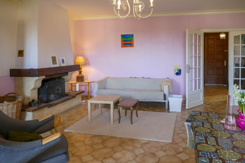 French property for sale in Bourbon-l'Archambault, Allier - €207,675 - photo 7
