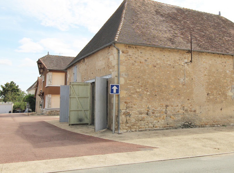 French property for sale in Saint-Léomer, Vienne - €40,000 - photo 3