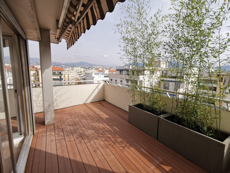 French property for sale in Nice, Alpes-Maritimes - €920,000 - photo 2