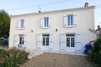 French property, houses and homes for sale inLes Églises-d'ArgenteuilCharente-Maritime Poitou_Charentes