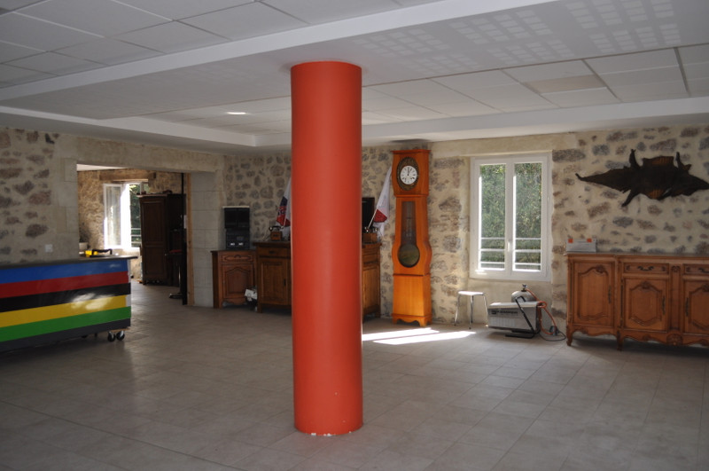 French property for sale in Saint-Estèphe, Dordogne - €1,606,500 - photo 5