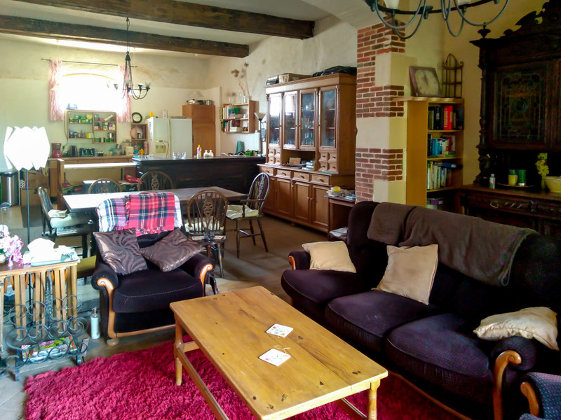 French property for sale in Vernoux-en-Gâtine, Deux Sevres - €236,470 - photo 4