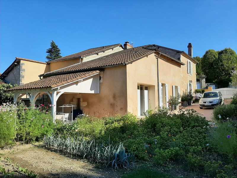 French property for sale in Périgueux, Dordogne - €357,000 - photo 2