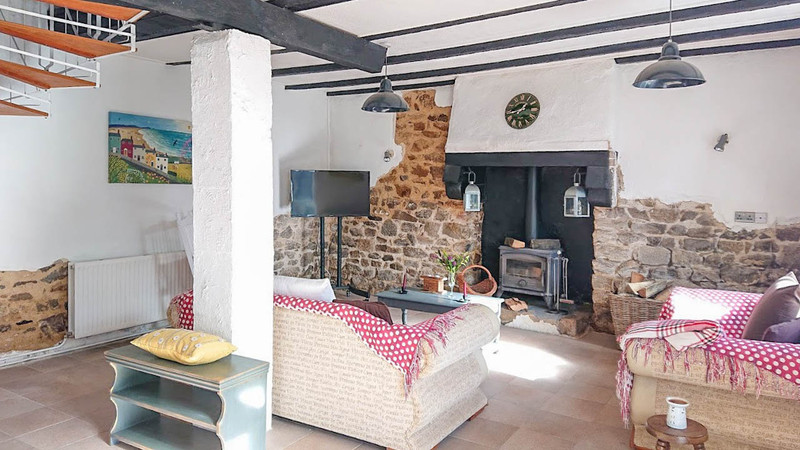 French property for sale in Ploërdut, Morbihan - €108,000 - photo 9