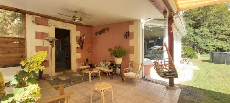 French property for sale in Castelnau-de-Médoc, Gironde - €655,000 - photo 2