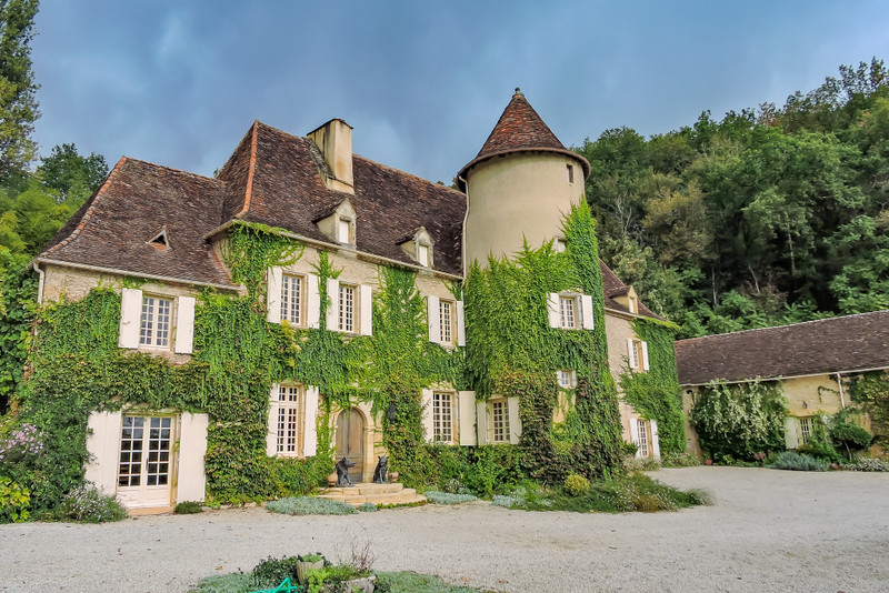 French property for sale in Limeuil, Dordogne - €1,700,000 - photo 9