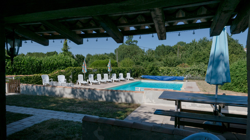 French property for sale in Néré, Charente-Maritime - €899,000 - photo 7