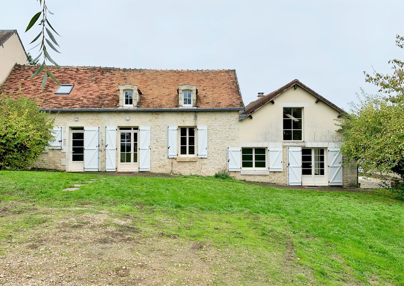 French property for sale in Angles-sur-l'Anglin, Vienne - €205,200 - photo 2