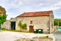 French property, houses and homes for sale inVilliers-CoutureCharente_Maritime Poitou_Charentes