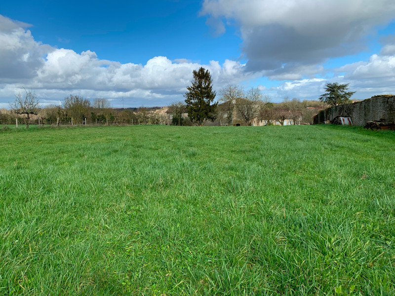 French property for sale in Melle, Deux-Sèvres - €64,275 - photo 5