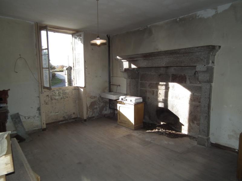 Maison à vendre à Auzances, Creuse - 25 000 € - photo 6