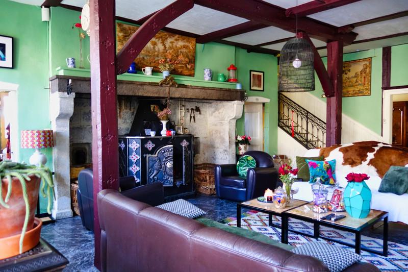 French property for sale in Saint-Bonnet-le-Chastel, Puy de Dome - €278,200 - photo 2