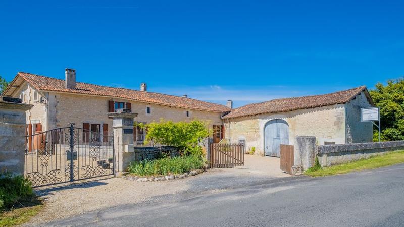 Maison à vendre à Champagne-et-Fontaine(24320) - Dordogne