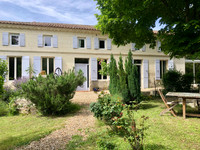 French property, houses and homes for sale in Saint-Dizant-du-Gua Charente-Maritime Poitou_Charentes