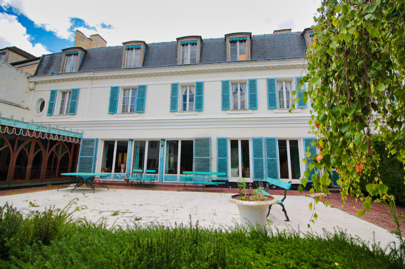 French property for sale in Marly-le-Roi, Yvelines - €2,350,000 - photo 2