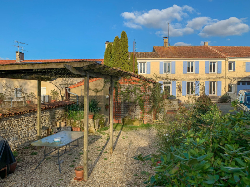 French property for sale in Saint-Crépin, Charente-Maritime - €444,999 - photo 4