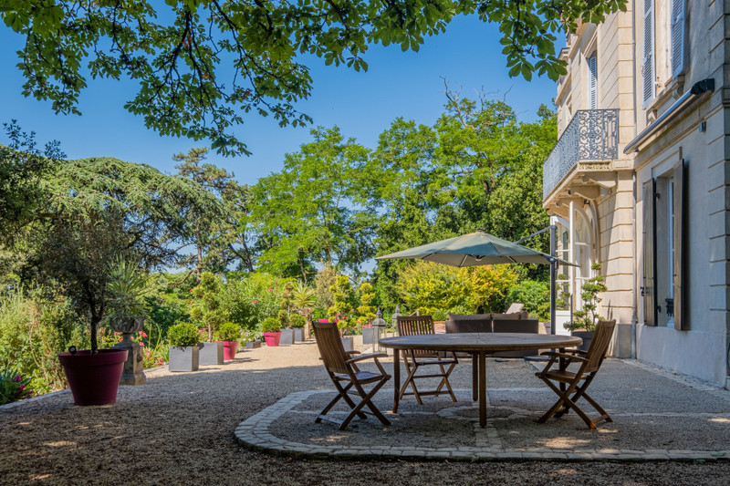 French property for sale in Niort, Deux-Sèvres - €850,500 - photo 4