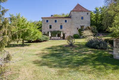 *UNDER OFFER* - Restored 15th century water mill with 6 bedrooms, pool and barn on 6,7 ha of land.