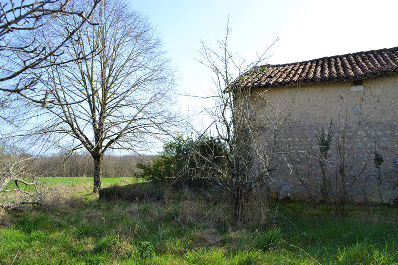 French property for sale in Villebois-Lavalette, Charente - €25,000 - photo 2