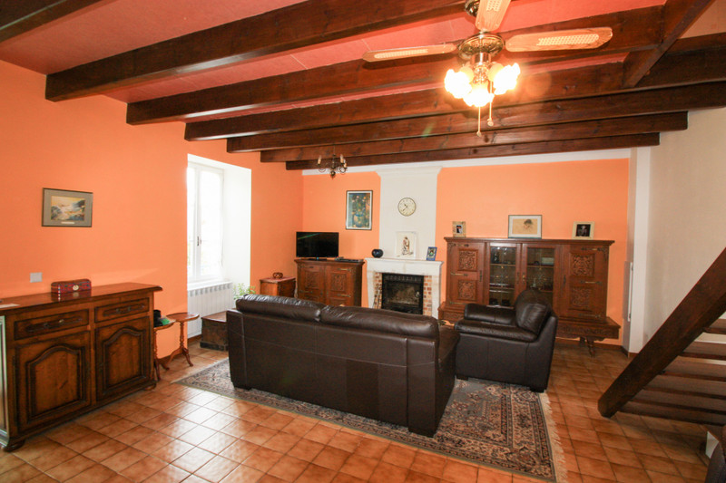 French property for sale in Bernay-Saint-Martin, Charente-Maritime - €141,700 - photo 3