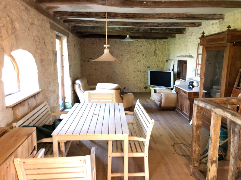 French property for sale in Chardes, Charente-Maritime - €199,000 - photo 5