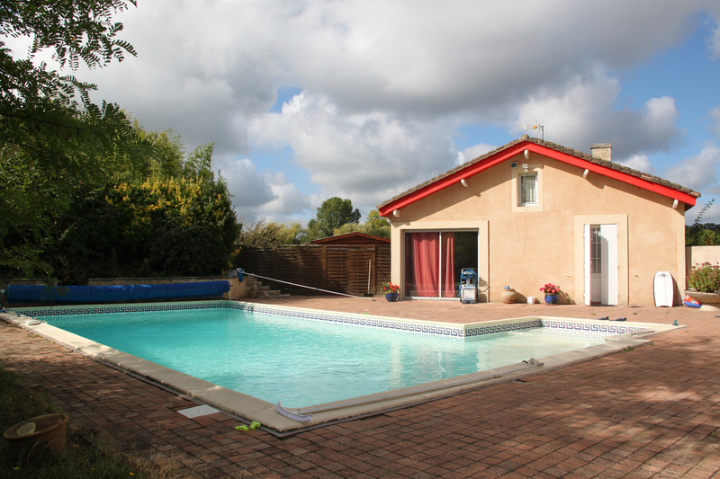 French property for sale in Saint-Christoly-de-Blaye, Gironde - €530,000 - photo 2