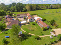 houses and homes for sale inMonts-sur-GuesnesVienne Poitou_Charentes