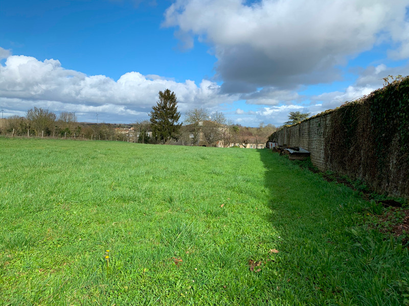 French property for sale in Melle, Deux-Sèvres - €64,275 - photo 4