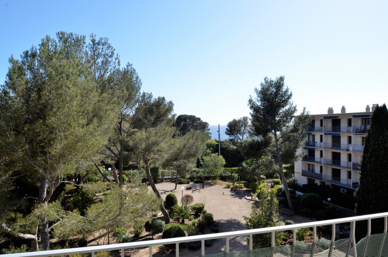 French property for sale in Saint-Raphaël, Var - €175,000 - photo 9