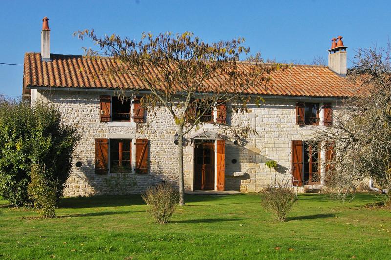 French property for sale in Clussais-la-Pommeraie, Deux Sevres - €267,500 - photo 2