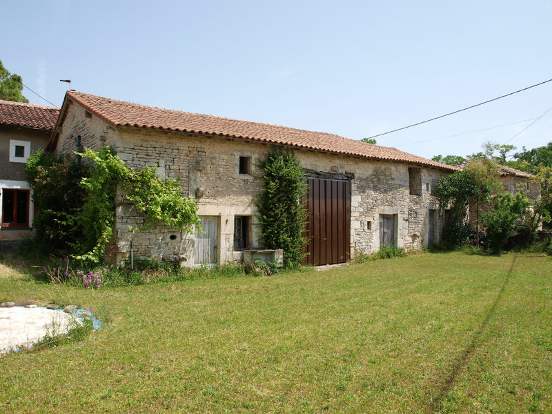 French property for sale in Chaunay, Vienne - €136,250 - photo 3