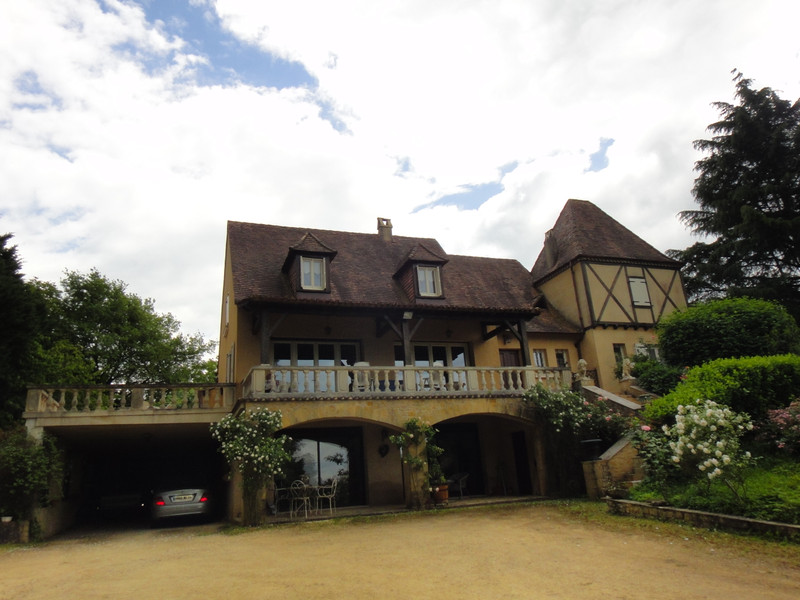 French property for sale in Belvès, Dordogne - €572,400 - photo 2