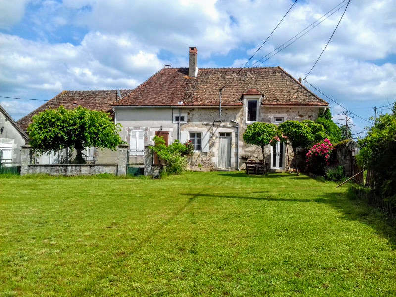 French property for sale in Brigueil-le-Chantre, Vienne - €66,000 - photo 2