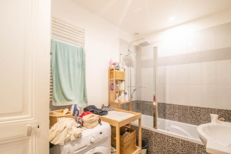 French property for sale in Paris 10e Arrondissement, Paris - €892,500 - photo 7