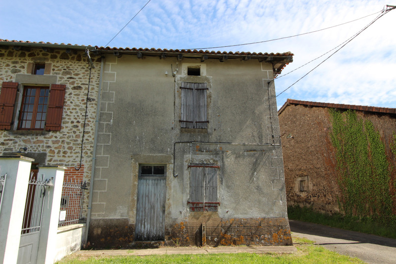 French property for sale in Pressignac, Charente - €41,000 - photo 2