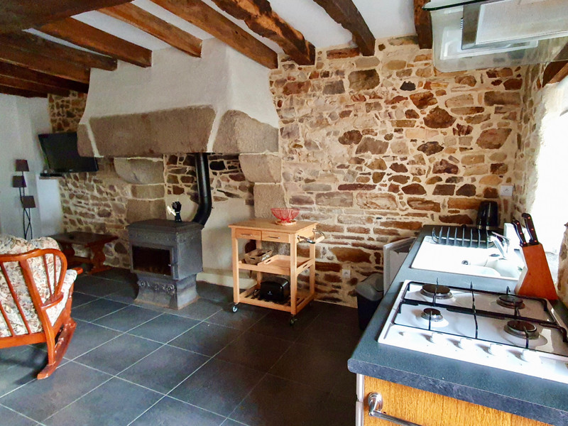 French property for sale in Béganne, Morbihan - €286,200 - photo 3