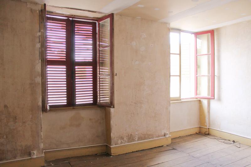 Maison à vendre à Bessais-le-Fromental, Cher - 39 600 € - photo 7
