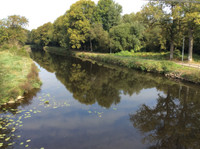 En EXCLUSIVITE! Proche du Canal de Nantes à Brest et de la ville médiévale de Josselin - Jolie maison bretonne mitoyenne en pierre du pays - beaucoup de potentiel