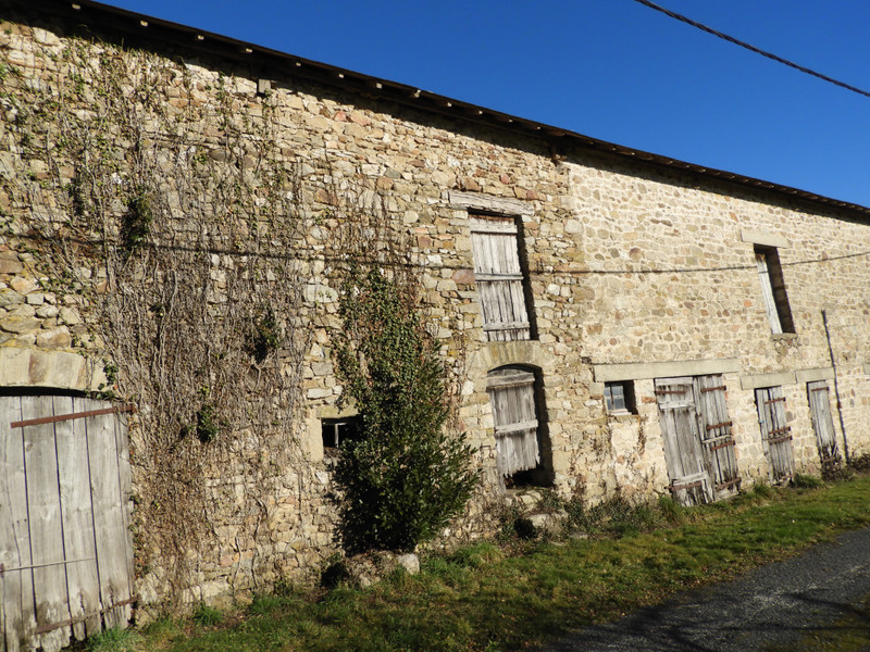 French property for sale in Uzerche, Corrèze - €77,000 - photo 3