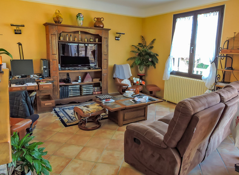 French property for sale in Le Bugue, Dordogne - €295,000 - photo 2