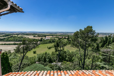 Gorgeous hilltop  manor perched on 17acres offering privacy and fantastic views as it is situated  prominently with  pool and stunning views over  the Pyrenees and the  countryside.