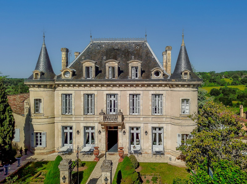 French property for sale in Biron, Dordogne - €1,298,500 - photo 1