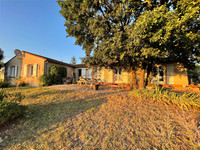 French property, houses and homes for sale in Saint-Même-les-Carrières Charente Poitou_Charentes